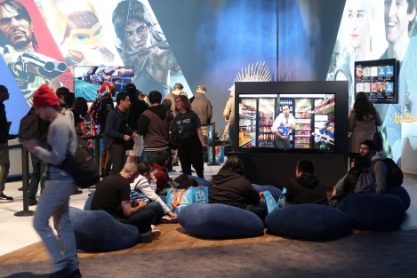 This has nothing to do with Sniper Ghost Warrior 3, but I thought a bunch of faggots on beanbags watching shitty TV at a Playstation event was hilarious.